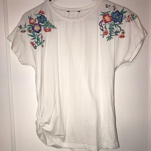 Tops - Floral Embroidery Top